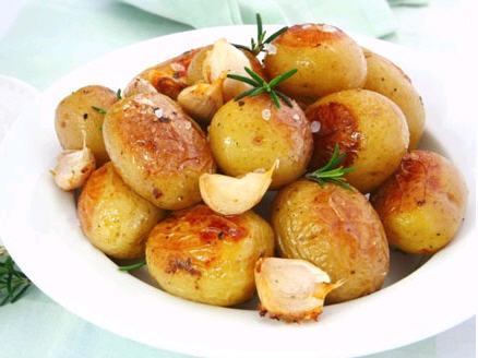 Запечена картопля в духовці рецепт