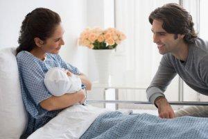Роды с партнером: за и против