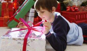 Как выбрать подарок для восьмилетнего мальчика?