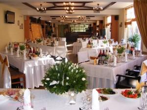 Рассадка гостей на свадьбе: оформление своими руками, шаблоны