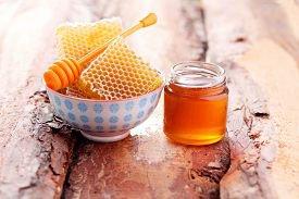 Как определить качественный мед?
