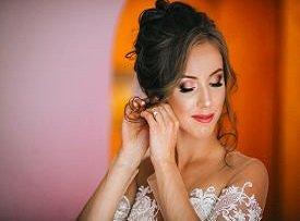 Как выбрать свадебное платье миниатюрной девушке?